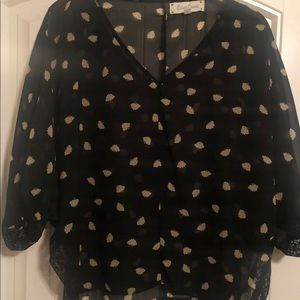 Francesca's Collections Black Criss Cross V Blouse